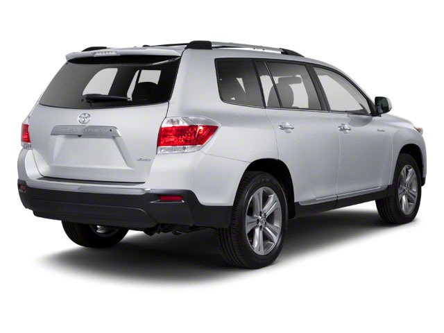 Classic Silver Metallic 2013 Toyota Highlander Pictures Highlander Utility 4D 2WD I4 photos rear view