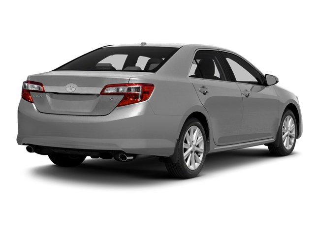 2014 toyota camry sedan 4d xle i4 pictures
