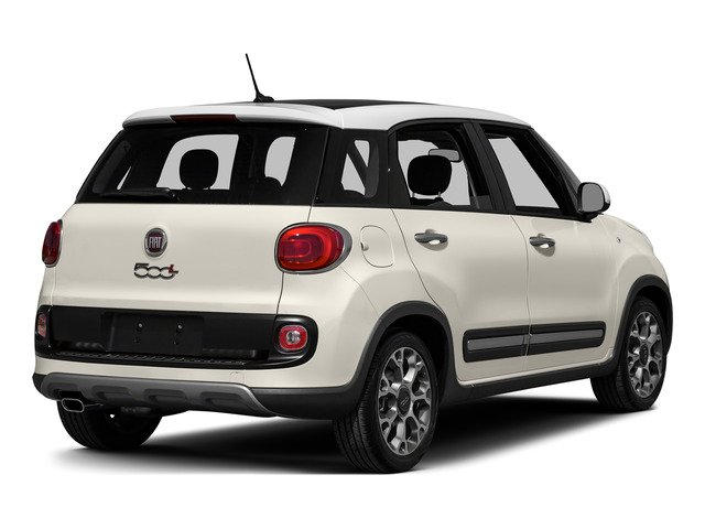 Bianco (White) 2015 FIAT 500L Pictures 500L Hatchback 5D L Trekking I4 Turbo photos rear view