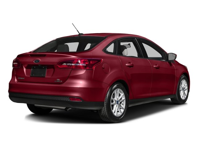 Ruby Red Metallic Tinted Clearcoat 2016 Ford Focus Pictures Focus Sedan 4D SE I4 photos rear view