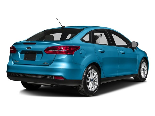 Blue Candy Metallic Tinted Clearcoat 2016 Ford Focus Pictures Focus Sedan 4D SE I4 photos rear view