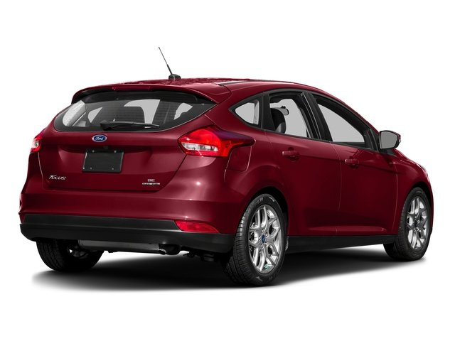 Ruby Red Metallic Tinted Clearcoat 2016 Ford Focus Pictures Focus Hatchback 5D SE EcoBoost I3 Turbo photos rear view