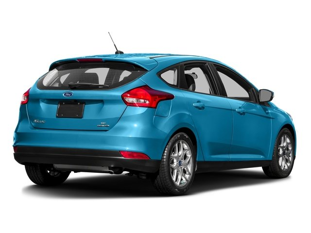 Blue Candy Metallic Tinted Clearcoat 2016 Ford Focus Pictures Focus Hatchback 5D SE I4 photos rear view