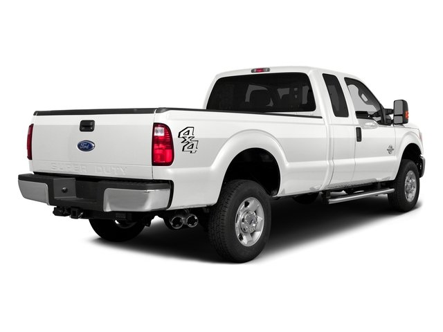 White Platinum Metallic Tri-Coat 2016 Ford Super Duty F-350 DRW Pictures Super Duty F-350 DRW Supercab Lariat 2WD photos rear view