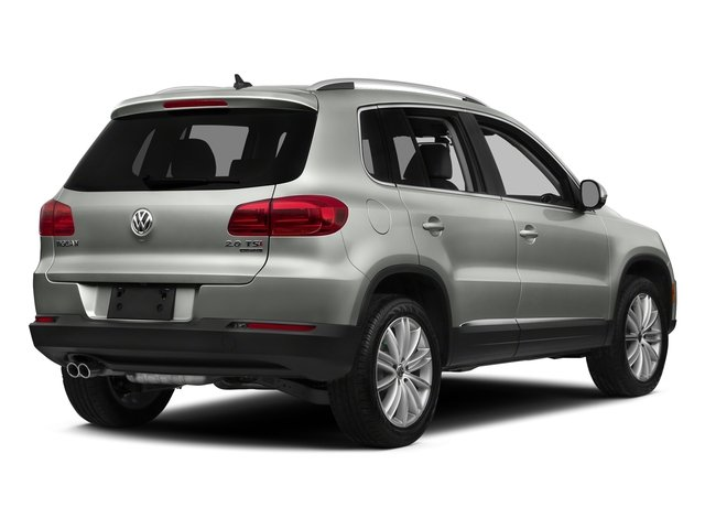 Reflex Silver Metallic 2016 Volkswagen Tiguan Pictures Tiguan Utility 4D SE 2WD I4 Turbo photos rear view