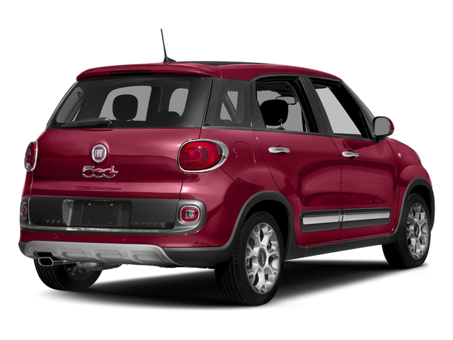 Rosso Perla (Deep Lava Red Pearl) 2017 FIAT 500L Pictures 500L Trekking Hatch photos rear view