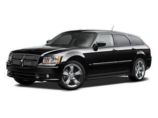 2008 Dodge Magnum Pictures Magnum Wagon 5D SXT AWD photos side front view