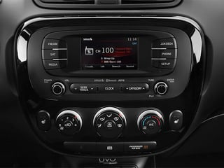 2014 Kia Soul Pictures Soul Wagon 4D + I4 photos stereo system