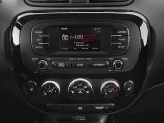 2016 Kia Soul Pictures Soul Wagon 4D ! I4 photos stereo system