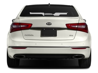 2016 Kia Cadenza Pictures Cadenza Sedan 4D Limited V6 photos rear view