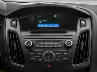 2017 Ford Focus Pictures Focus Sedan 4D SE I4 photos stereo system