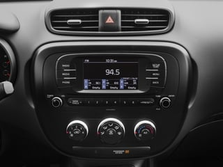 2017 Kia Soul Pictures Soul Wagon 4D I4 photos stereo system