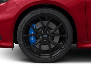 2018 Ford Focus Pictures Focus Hatchback 5D RS AWD I4 Turbo photos wheel