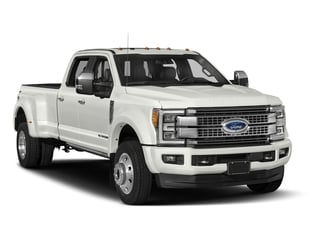 2018 Ford Super Duty F-450 DRW Pictures Super Duty F-450 DRW Platinum 2WD Crew Cab 8' Box photos side front view