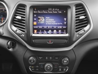 2018 Jeep Cherokee Pictures Cherokee Latitude Tech Connect FWD photos stereo system