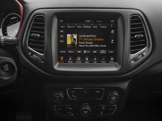 2018 Jeep Compass Pictures Compass Trailhawk 4x4 photos stereo system