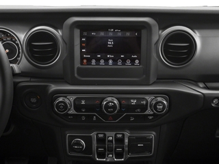 2018 Jeep Wrangler Unlimited Pictures Wrangler Unlimited Rubicon 4x4 photos stereo system