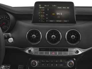 2018 Kia Stinger Pictures Stinger Base RWD photos stereo system