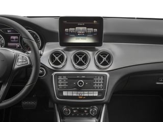 2018 Mercedes-Benz GLA Pictures GLA GLA 250 4MATIC SUV photos stereo system