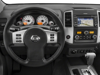 2018 Nissan Frontier Pictures Frontier Crew Cab 4x4 PRO-4X Manual photos driver's dashboard
