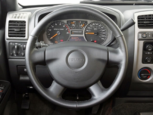2008 Isuzu i-370 Prices and Values Crew Cab i-370 LS 4WD driver's dashboard