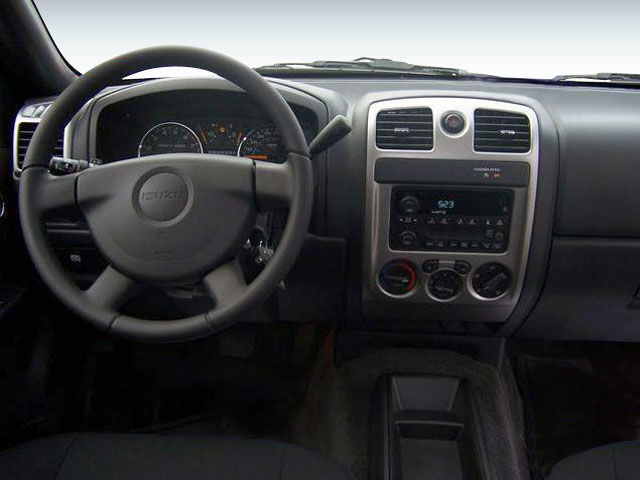 2008 Isuzu i-370 Prices and Values Extended Cab i-370 LS 2WD driver's dashboard