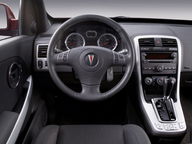 2008 Pontiac Torrent Prices and Values Utility 4D AWD driver's dashboard