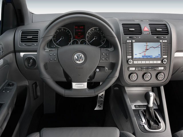 2008 Volkswagen R32 Prices and Values Hatchback 2D AWD driver's dashboard