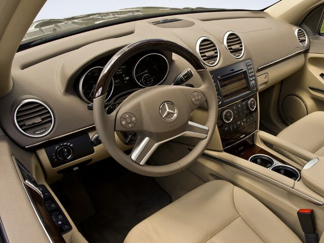 2009 Mercedes-Benz GL-Class Prices and Values Utility 4D GL550 4WD full dashboard