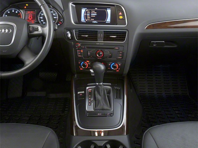 2010 Audi Q5 Prices and Values Utility 4D 3.2 Prestige AWD center console