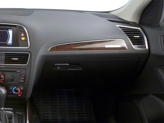 2010 Audi Q5 Prices and Values Utility 4D 3.2 Prestige AWD passenger's dashboard