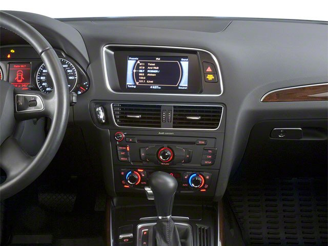 2010 Audi Q5 Prices and Values Utility 4D 3.2 Prestige AWD center dashboard