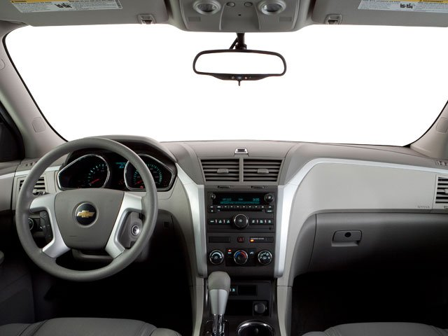 2010 Chevrolet Traverse Prices and Values Utility 4D 2LT AWD full dashboard