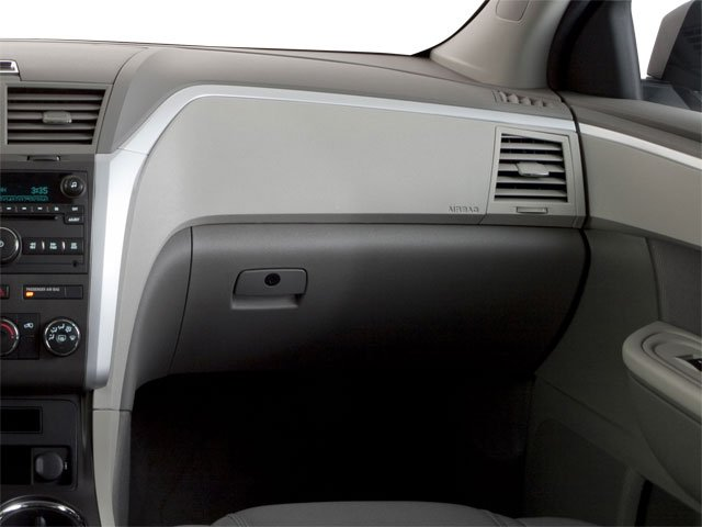 2010 Chevrolet Traverse Prices and Values Utility 4D 2LT AWD passenger's dashboard