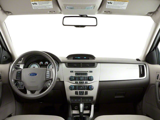 2010 Ford Focus Pictures Focus Sedan 4D SE photos full dashboard