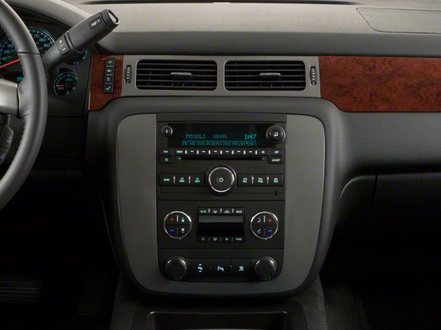 2010 GMC Yukon XL Prices and Values Utility K2500 SLT 4WD center console