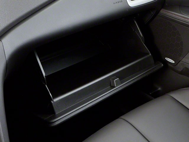 2010 GMC Terrain Prices and Values Utility 4D SLT2 2WD glove box