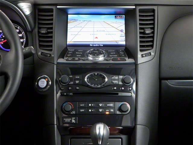 2010 INFINITI FX35 Pictures FX35 FX35 AWD photos center console