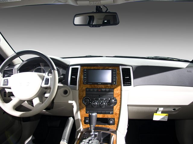 2010 Jeep Grand Cherokee Pictures Grand Cherokee Utility 4D Laredo 2WD photos full dashboard