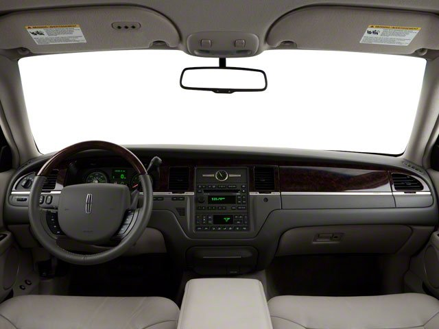 2010 Lincoln Town Car Sedan 4d Executive L Pictures Pricing And