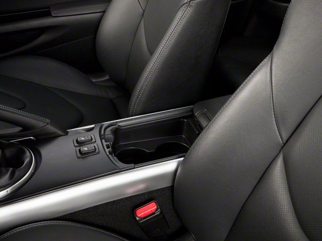 2010 Mazda RX-8 Pictures RX-8 Coupe 2D R3 (6 Spd) photos center storage console