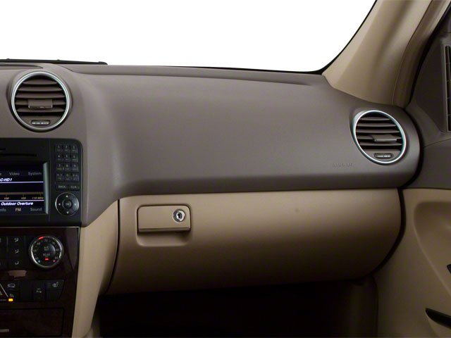 2010 Mercedes-Benz M-Class Prices and Values Utility 4D ML550 4WD passenger's dashboard