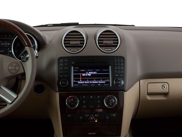 2010 Mercedes-Benz M-Class Prices and Values Utility 4D ML550 4WD center dashboard