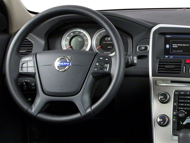 Volvo XC60 Crossover 2010 Utility 4D 3.2 2WD - Фото 4