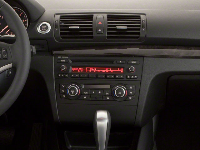 2011 BMW 1 Series M Prices and Values Coupe 2D M center console