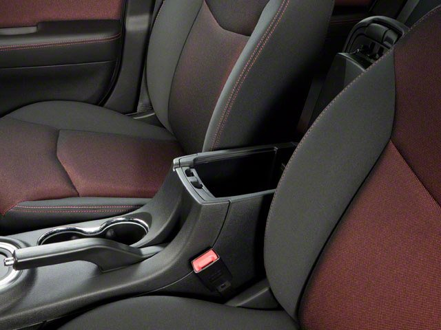 2011 Dodge Avenger Prices and Values Sedan 4D Lux center storage console