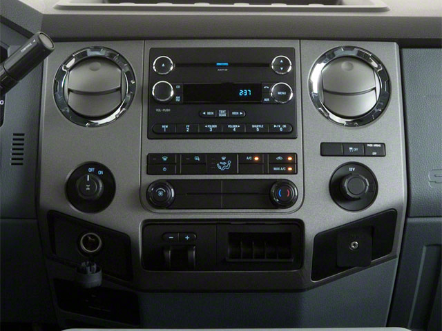 2011 Ford Super Duty F-350 DRW Pictures Super Duty F-350 DRW Supercab XLT 2WD photos center console