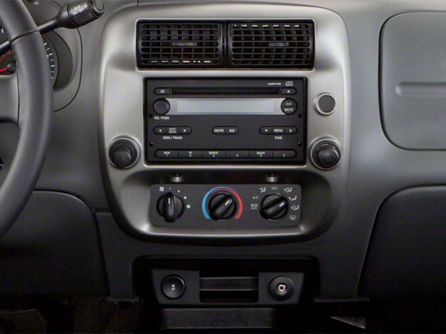 2011 Ford Ranger Prices and Values Supercab 2D XL center console