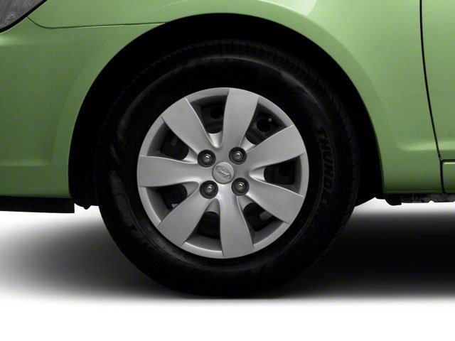 2011 Hyundai Accent Prices and Values Hatchback 3D GL wheel
