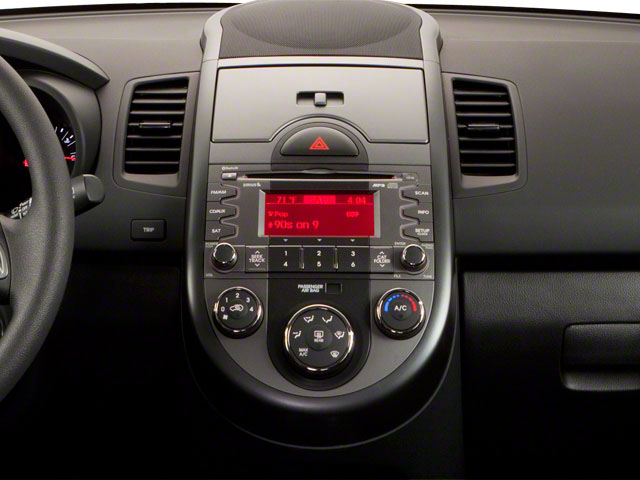 2011 Kia Soul Prices and Values Wagon 4D center console